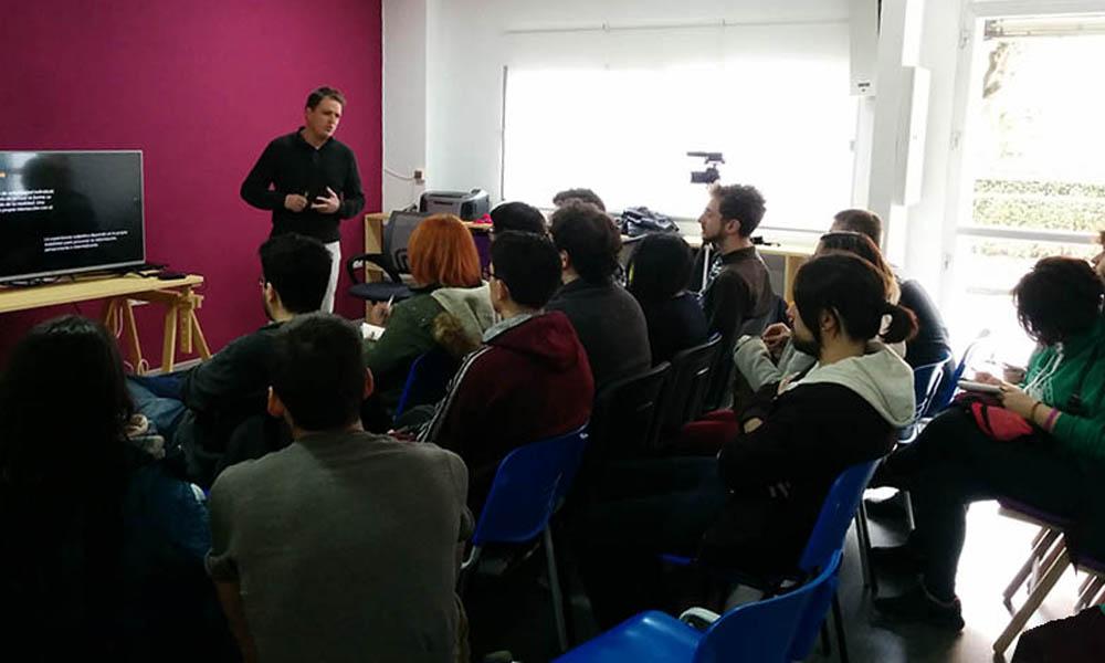 talleres gratuitos sobre videojuegos granada